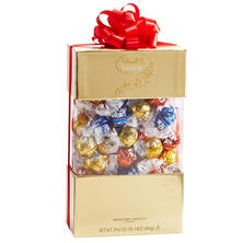 Lindt LINDOR Assorted Truffle Gift Box (29.6 oz.)