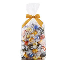 Lindt LINDOR Assorted Truffles Gift Bag (100 ct.)