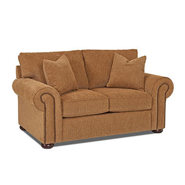 Klaussner Vienna Loveseat (Assorted Pillows)