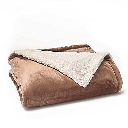 Vellux Plush/Sherpa Caramel Throw
