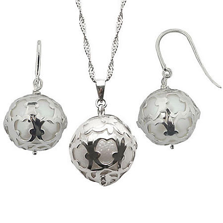 FWC PEARL SET CAGED EAR & PEND-925