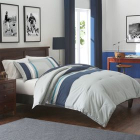 IZOD Saratoga Grey/Navy Comforter Set (Assorted Sizes)