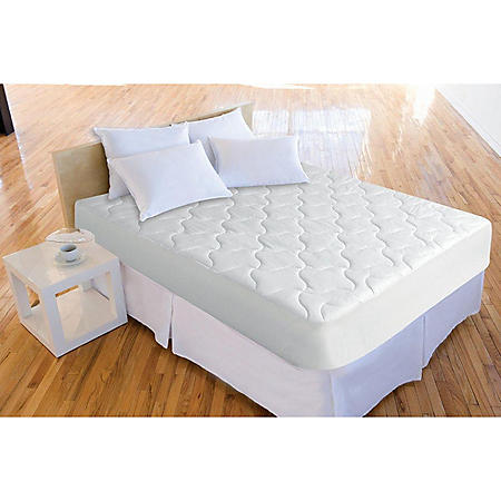 Iso-Cool Polyester Mattress Pad with Outlast Cover