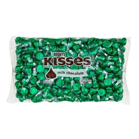 Kisses Milk Chocolates Green (66.7 oz.)