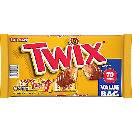 Twix Caramel and Chocolate Cookie Fun Size Candy Bars (40.3 oz., 70 ct.)