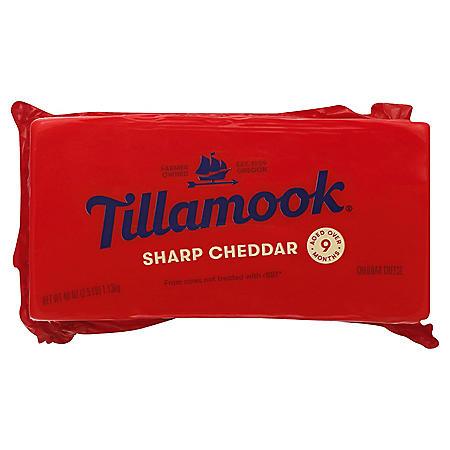 Tillamook Sharp Cheddar Cheese (2.5 lbs.)