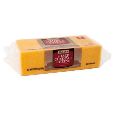 Daily Chef Sharp Cheddar Cheese (32 oz.)