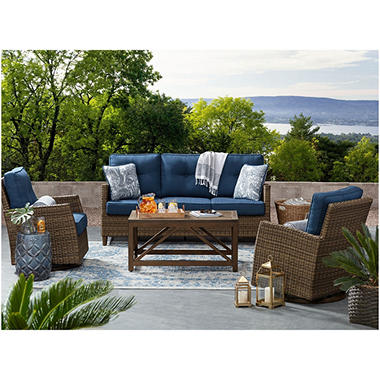 Transitional Outdoor Patio Furniture