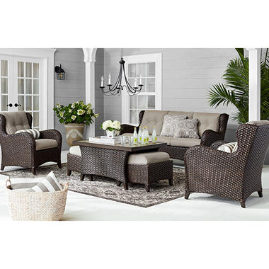 Traditional Outdoor Patio Furniture