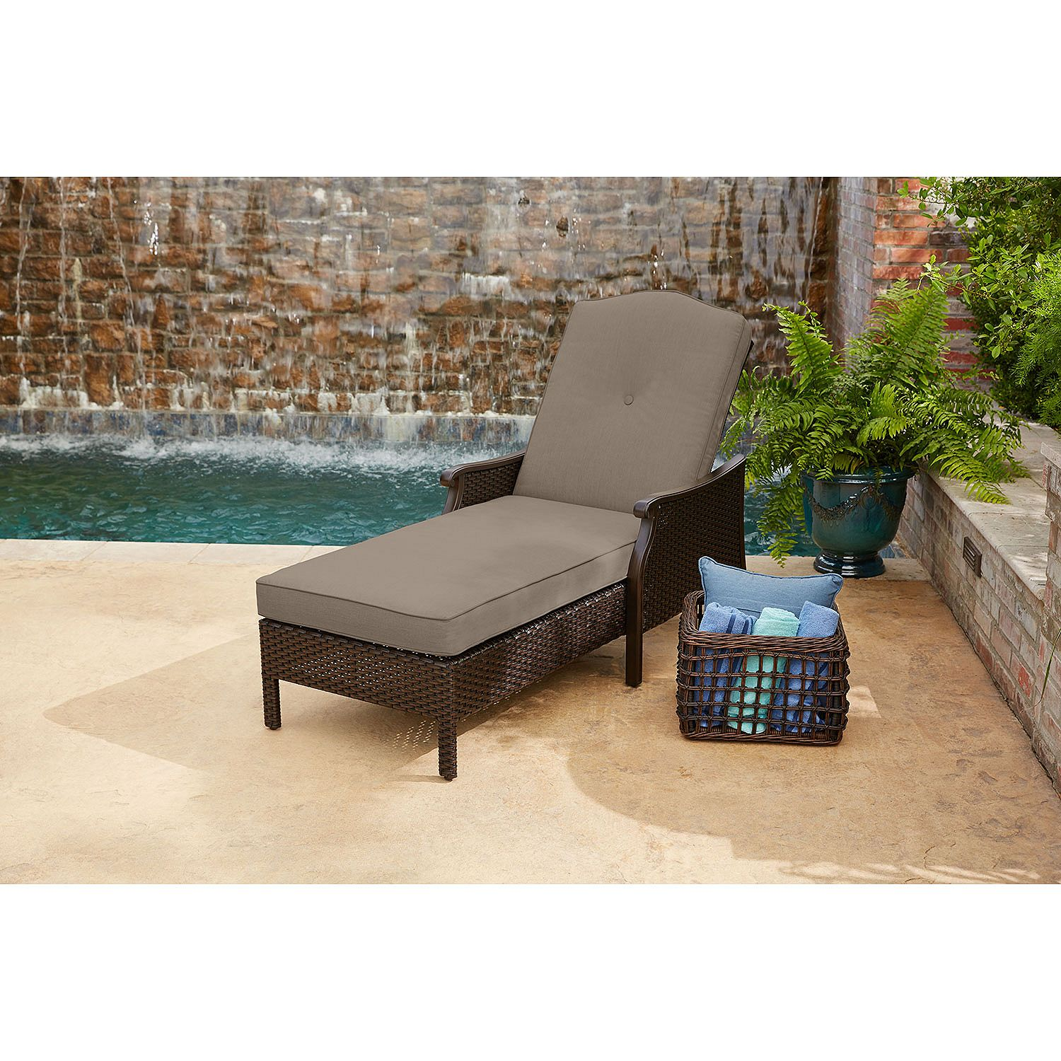 Member 39 s mark agio collection heritage sunbrella for Agio chaise lounge
