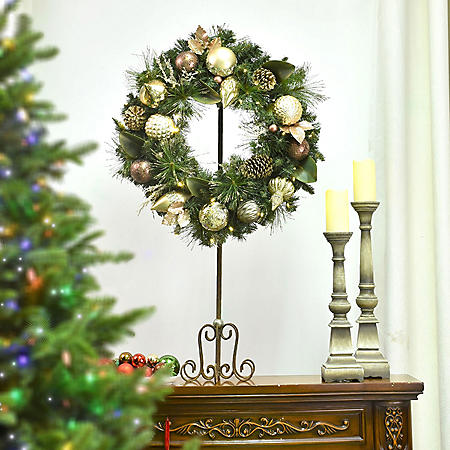 "Member's Mark 32"" Pre-Lit Decorative Gold Wreath"