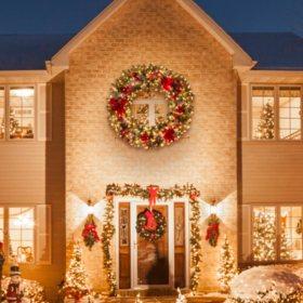 "Member's Mark 60"" Prelit Decorated Wreath"