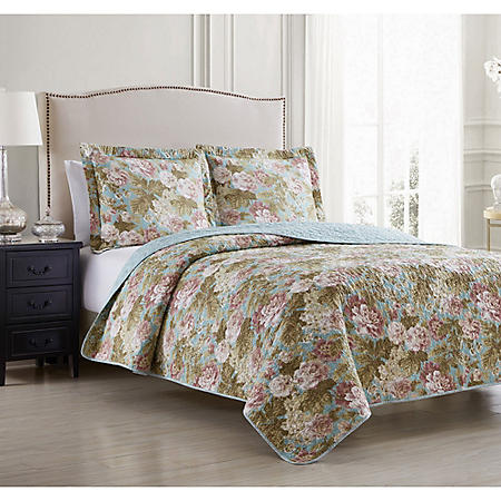 Waverly Beatrice Blue Oversized 3 Piece Reversible Quilt Set (Various Sizes)
