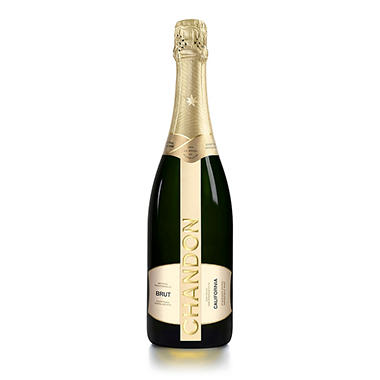 Chandon Brut Classic Champagne (750 ml)