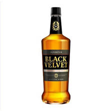Black Velvet Blended Canadian Whisky (1 L)