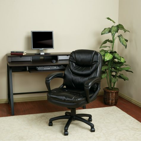 Work Smart Faux Leather Managers Chair with Padded Arms - Black