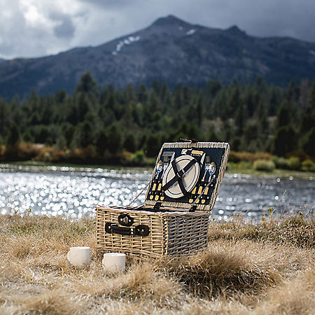 Starry Skies Willow Picnic Basket for Two