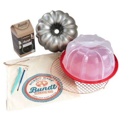 Nordic Ware Ultimate 8-Pc Bundt Baker's Kit (Assorted Flavors)