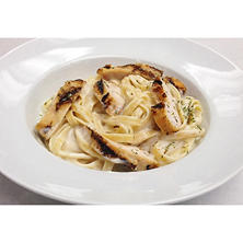 Member's Mark Grilled Chicken Fettuccini Alfredo (Priced Per Pound)