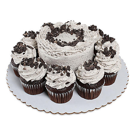 "Member's Mark Cookies 'N Crème 5"" Chocolate Cake With 10 Chocolate Cupcakes"