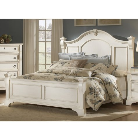 Carlisle Poster Bed (Assorted Sizes)