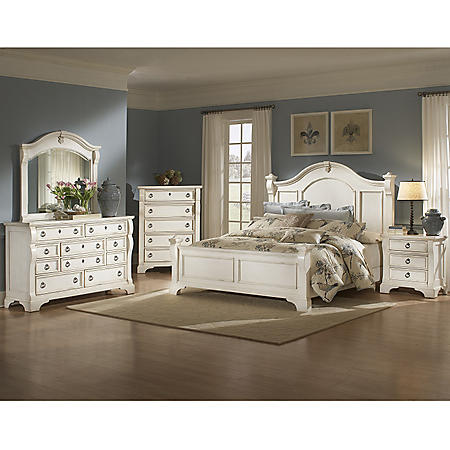 Carlisle Bedroom Set (Assorted Sizes)