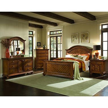 Addison Chestnut Panel Bed (Choose Size)