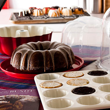 Nordic Ware Essential Bundt Kit