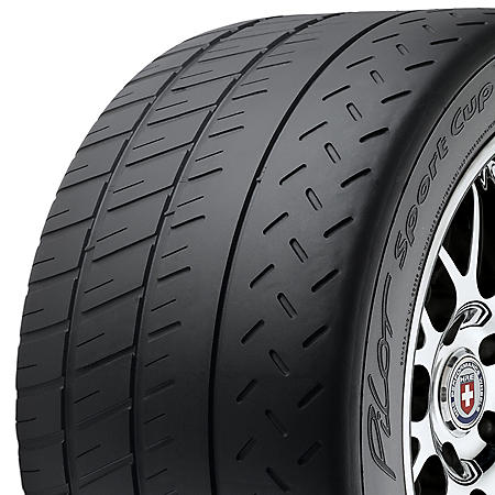 Michelin Pilot Sport Cup 2 - 305/30ZR20XL 103Y Tire