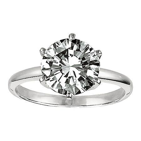 .30 ct. Diamond Solitaire Platinum Ring (D, VS1)