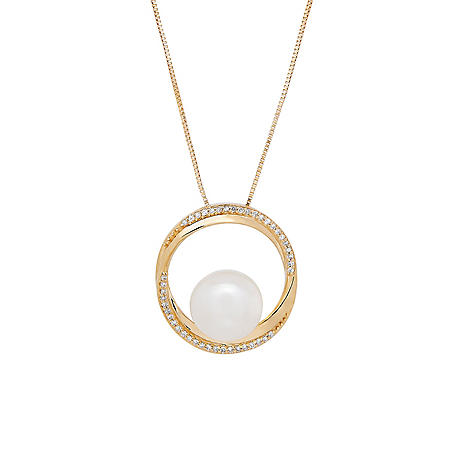 Pearl Pendant with Diamonds in 14K Yellow Gold