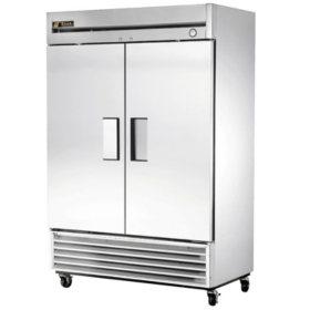True 2-Door Stainless Steel Reach-In Refrigerator - 49 cu. ft.