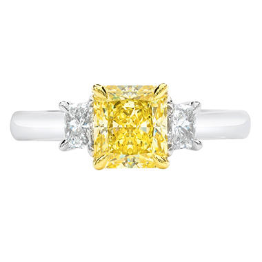 1.64 CT. T.W. Radiant-Cut Fancy Yellow Platinum 3-Stone Diamond Ring with Trapezoids (FY, VVS1) GIA