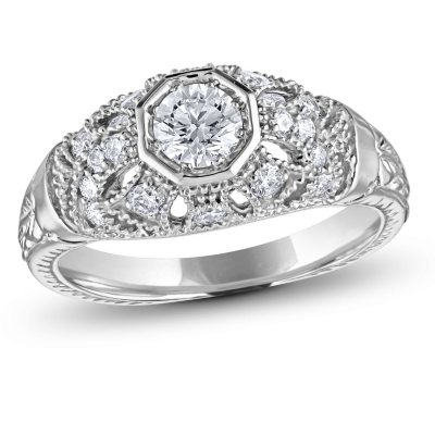 075 ct tw Vintage Style Diamond Ring in 14k White Gold GH