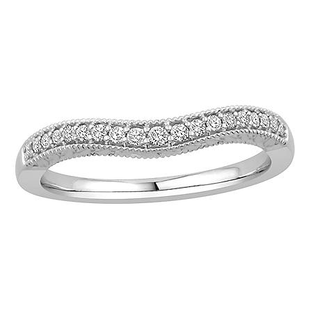 0.15 CT. T.W. 14K Gold Contour Band with Round Brilliant Diamonds with a Milgrain Finish (H-I, I1)