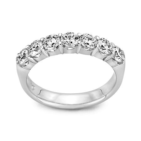 1.5 CT. T.W. 7 Round Diamond Band