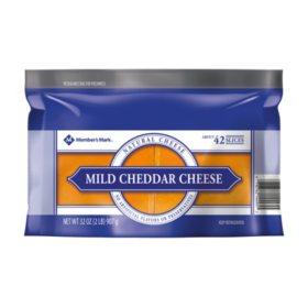 Members Mark Sliced Mild Cheddar Cheese (2 lbs.)
