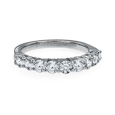 .95 CT. T.W. Diamond Wedding Band in Platinum