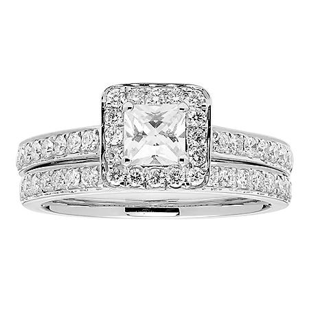 1.15 CT. T.W. Princess Diamond Bridal Set in 14K Gold