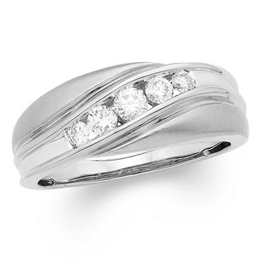 0.50 CT. T.W. Round Diamond Mens Band in 14K Gold