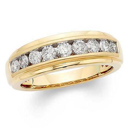1.0 CT. T.W. Round Diamond Mens Band in 14K Gold