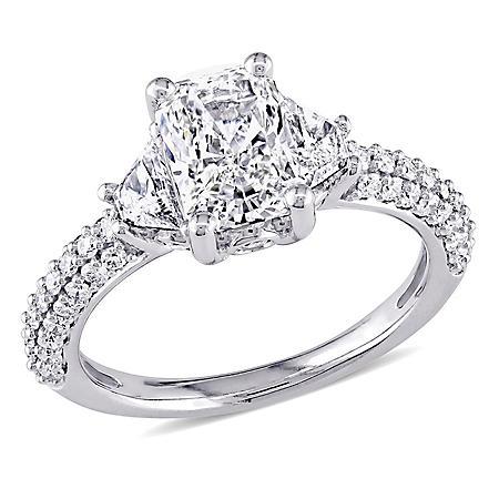 Allura 2.25 CT Radiant Cut Diamond 3-Stone Engagement Ring in 14k White Gold