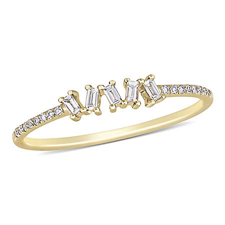 0.14 CT. T.W. Baguette and Round-Cut Diamond Ring in 14K Yellow Gold