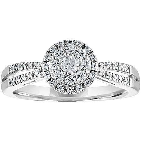 0.33 CT. T.W. Diamond Engagement Ring in 14K Gold