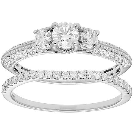 1.00 CT. T.W. 3-Stone Diamond Engagement Ring and Band in 14K Gold (I, I1)