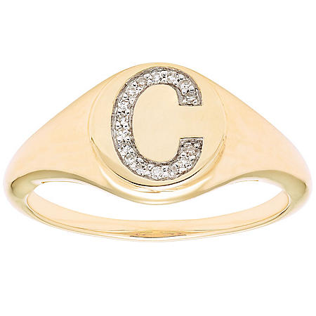 Diamond Initial Signet Ring in 14k Yellow Gold (I, I1)