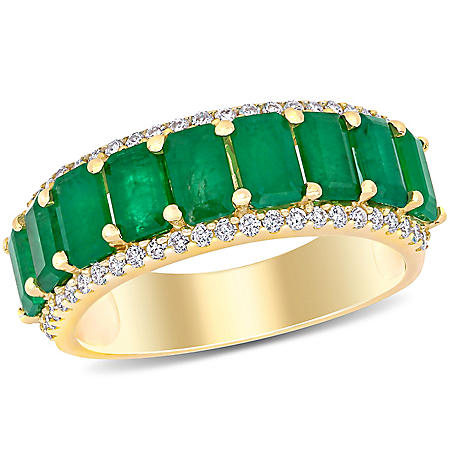 2.43 CT T.G.W. Emerald and 0.28 CT T.W. Diamond 9-Stone Wedding Ring in 14k Yellow Gold
