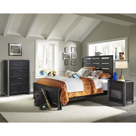 Brooks Bedroom Set (Assorted Sizes)
