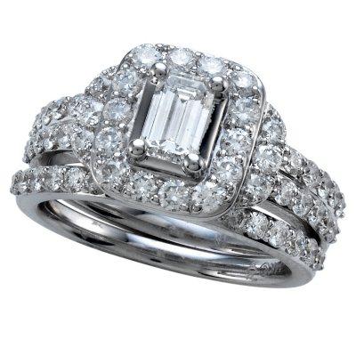 200 CT TW EmeraldCut Diamond Engagement Ring Set in 14K White
