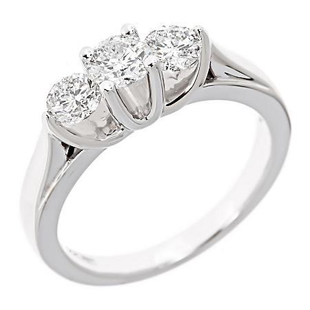 0.96 CT. T.W. 3-Stone Diamond Ring in 14K White Gold (I, I1)